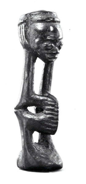 Luluwa figure. The Michael C. Rockefeller Memorial Collection - The Metropolitan Museum of Art (1978.412.544)