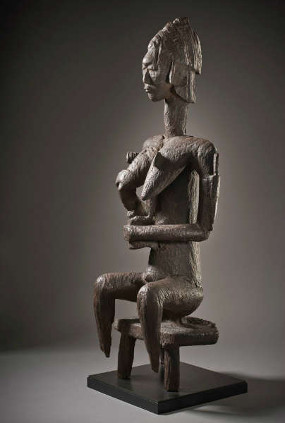 """Gwan"" mother and child figure. (Museum Associates / LACMA, 2013)"