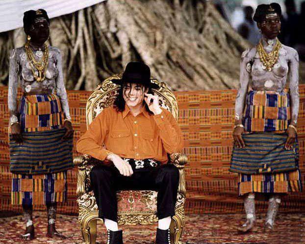 Michael sacré roi dans le térritoire de Sanwi
