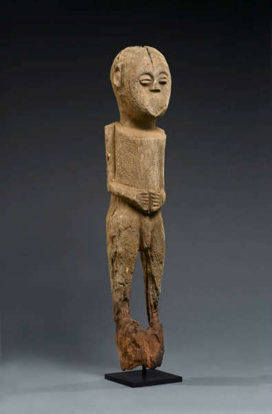 Kudio-bocchio figure from the Fon. Height 67 cm. Image courtesy of Amma Tribal Art.
