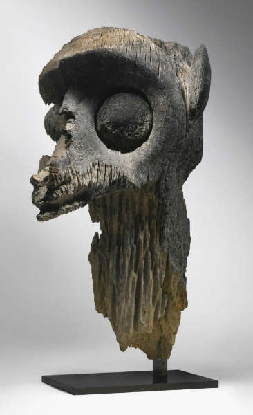 Dayak fragment of an ancestor image, Borneo. Height: 73,7 cm. Image courtesy of Sotheby's (lot 27).