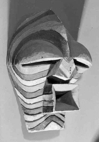 Songye kifwebe mask. Height: 36 cm. Image courtesy of the MAS (#AE.0338).