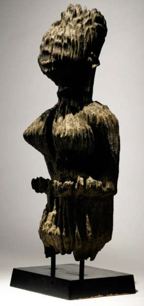 Kongo-Vili figure. Height: 53,3 cm. Estimate: $25,000 - 35,000 USD. Image courtesy of Sotheby's.