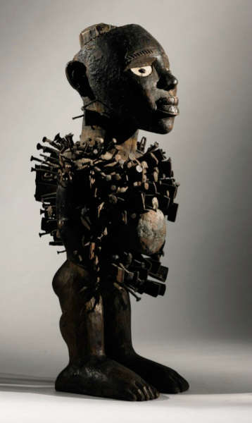 Kongo figure. Height: 49,5 cm. Estimate: $500,000 - 700,000 USD.
