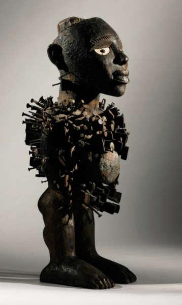 Kongo figure. Height: 49,5 cm. Estimate: $500,000 - 700,000 USD.