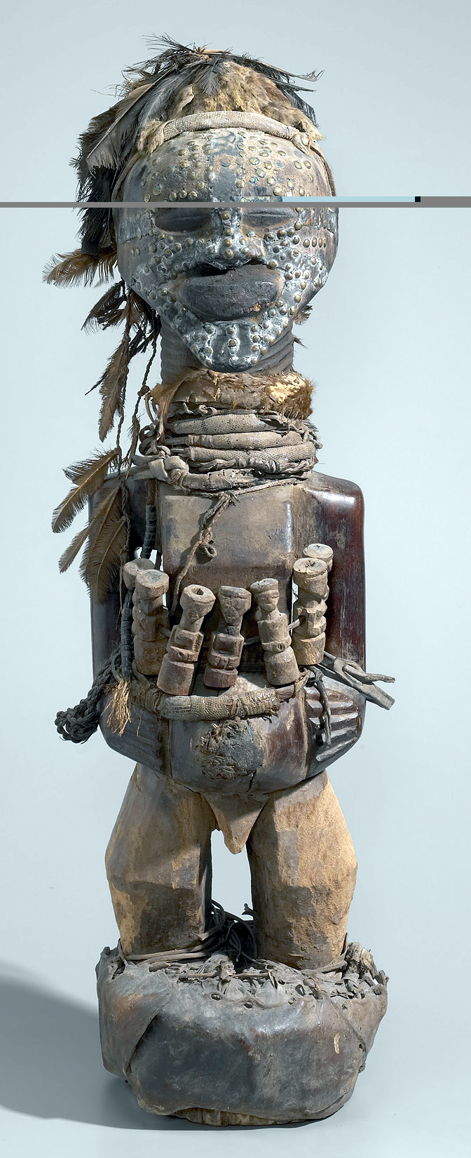 Songye figure. Height: 124,5 cm. Image courtesy of the  Yale University Art Gallery (#2006.51.148).