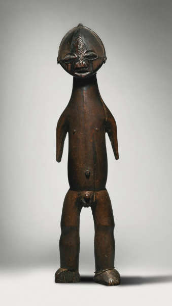 Ngbandi figure (lot 308). Height: 72,1 cm. Est. $ 200-300K. Ex Pablo Picasso. Image courtesy of Sotheby's.