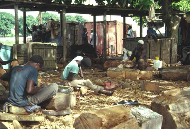 Artisanal workshop. Port de Carena, Abidjan, June 1988. Image courtesy of Christopher Steiner (p. 37, fig. 10).