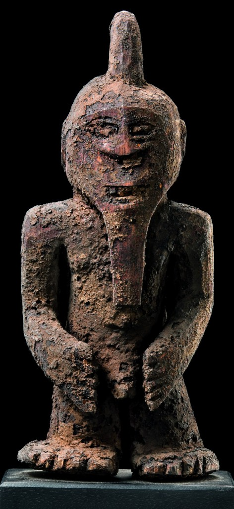 Kaka figure. Height: 42 cm. Image courtesy of the Africarium collection.